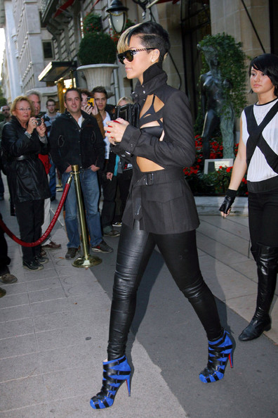 Rihanna+goes+casual+chis+HdalUjlRHoFl