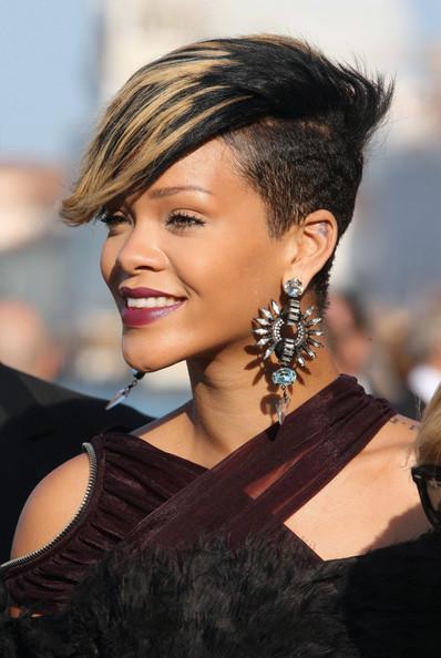 Rihanna+celebrates+in+Venice+8E9rwhGB2f7l