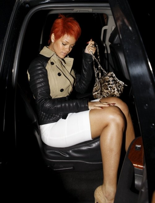 Splurge-rihannas-burberry-prorsum-spring-2011-crochet-and-olsen-twins-news-com-500x655